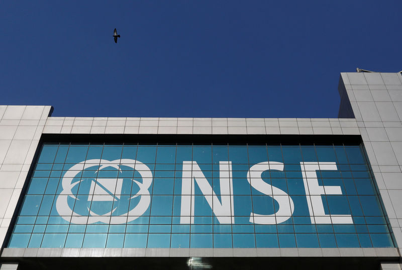 Markets in 'deep hole' as growth fears escalate; Sensex falls 1,115 points
